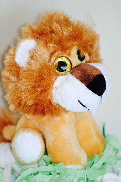 peluche-lion-pour-bébé