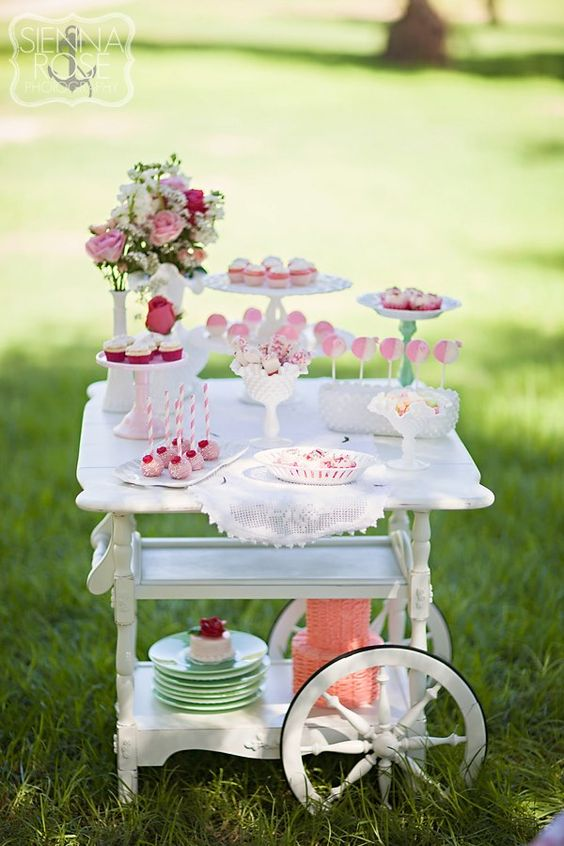 sweet-table-desserts
