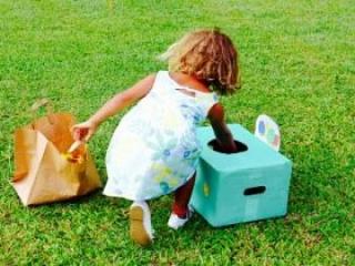 enfant-cherche-oeuf de pâques